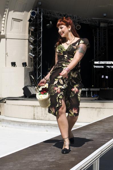 Hawaiian Dress, Limb