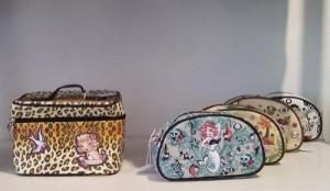 Kosmetikkoffer und Makeup-Taschen von Fluff